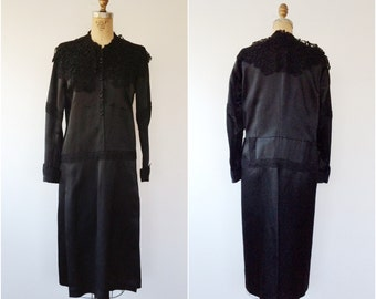 SALE / 1920s dress / Silk Mourning dress