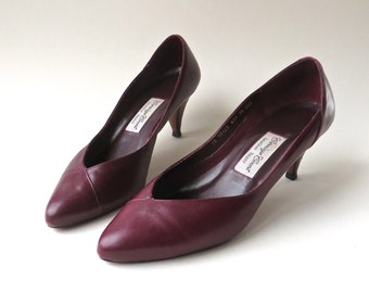 80s vintage Carriage Court Burgundy Leather Pumps / Made in Brazil
