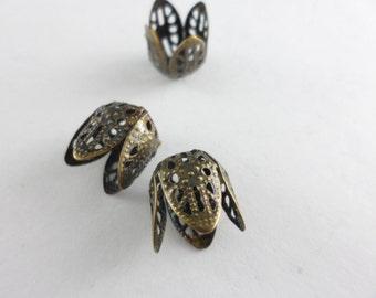 40 Filigree Four Petal Beadcaps Antique Brass Plated