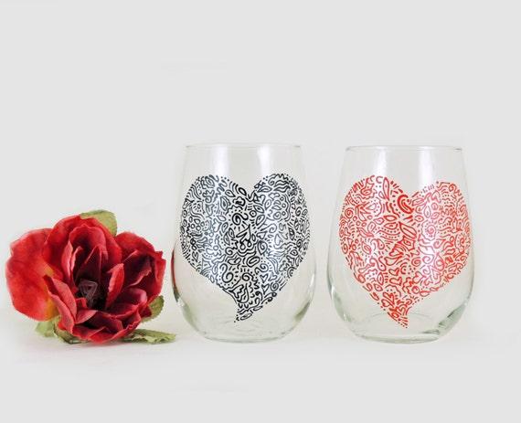 Valentine wine glasses - Set of 2 - Hand painted white wine glasses - Sweetheart glasses