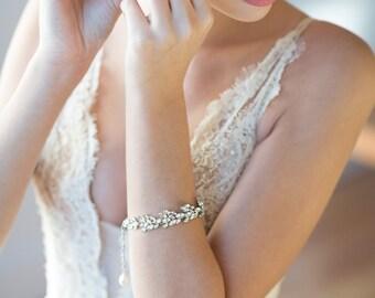 Wedding Bracelet, Crystal Pearl Bridal Jewelry,  Bridal Bracelet with matching earrings, Pearl Bracelet & Earrings