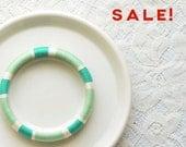 Mint Condition Green Thread Bangle Bracelet - no. 508A