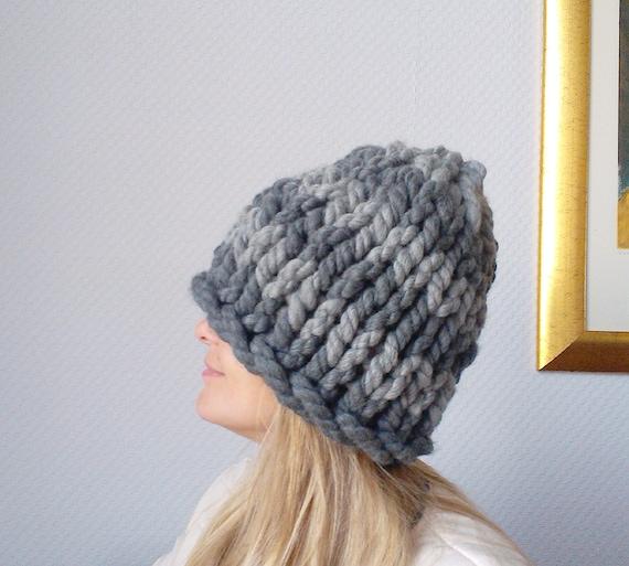 Вязание женской шапки из толстых ниток