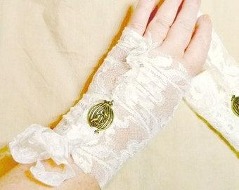 Lovebirds Bridal Gloves Fingerless Ivory Birdcage