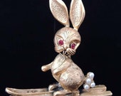 Vintage TORTOLANI Rabbit on Skis Brooch Gold With Pearls Signed Pin / Animal Jewelry