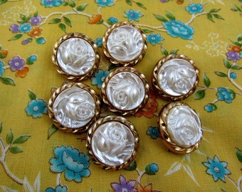 Set Of 7 Metalized Plastic White Rose Buttons