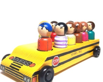 the classic collection - customized bus and peg doll set