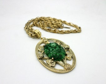 Vintage Carved Faux Jade and Gold Tone Necklace Chain Tag Reads Whiting Davis