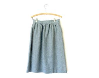 Vintage Grey Austin Hill Skirt / Grey wool pencil skirt / Pockets / Dirndl / Women's tartan clothing / Below knee / Fully lined skirt Size 8