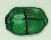 Scarab Cabochon Shimmering Green G2