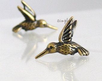 Antiqued Brass Hummingbird TierraCast Pewter Charm 2 Pendant 18mm