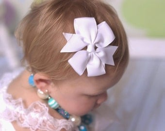 White Hair Bow, Toddler Bow, Girls Hair Bow,  White Hair Bow, White Pinwheel Bow, Girls Hair Bow Accessories, Everday Hair Bow, Simple Bows