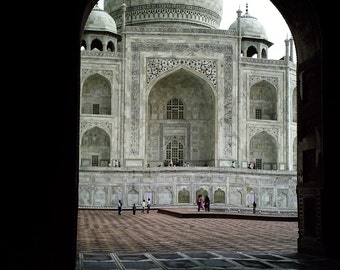 Framed Archival Photographic Print of The Tāj Mahal for Home and Office Decor