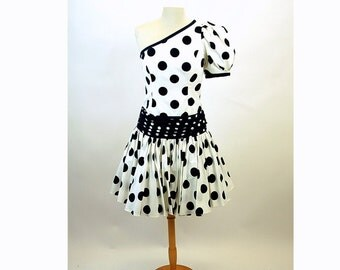 1980s polka dot dress prom dress short dress full skirt puffed sleeve one shoulder big bow After Five, Size M/L