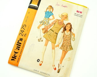 Vintage 1970s Girls size 10 Blouse, Jumper and Skirt McCalls Swwing Pattern 2475 / Complete
