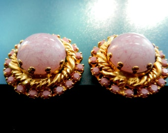 Fascinating Pink Art Glass clip earrings - 1950s Vintage quality - dazzling pink prong set rhinestones - Art.735/3--