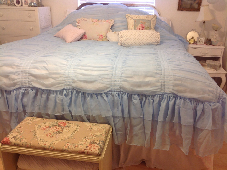 Ruffled Bedspread Light Blue Vintage Spread Tagesdecke