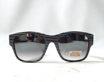 vintage 1980's NOS wayfarer sunglasses black white striped plastic frame sun glasses mens womens eyewear fashion retro accessories modern