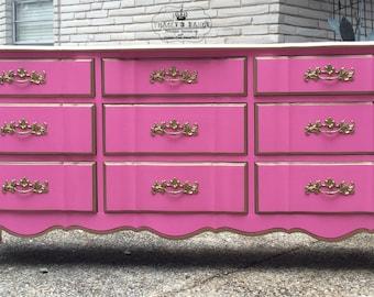 French Provincial 9-drawer dresser
