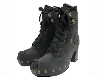 Vintage Luichiny Steambuck Boots from Spain Womens Nail Head Stud Black Nubuck Leather Ankle High Boots Wms US Size 7