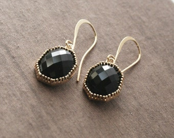 Black Earrings,Black and Gold Earrings,Gold Earrings,Dangle Earrings,Gift for Her,Bridesmaid Gift