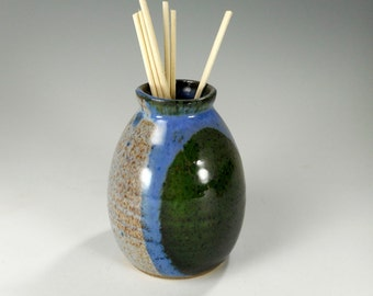 Reed diffuser bud vase pot, ceramic reed diffuser, pottery reed diffuser, stoneware bud vase, scented oil diffuser dark green and blue