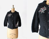 vintage 1950s sweater - boucle knit sweater black - 50s 60s - beaded floral applique - small / medium