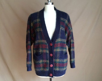 vintage 1990's tartan plaid cardigan button down sweater deep pockets drop shoulders worn oversized