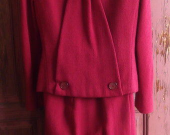 "Late '50s ""Bellciamo"" Red Flax Suit, w fab Back Design, sz S/M"