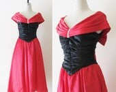 Vintage 1980's Red and Black Formal Party Dress / Red Ruffled Bow Cocktail Prom Christmas HOLIDAY Dress