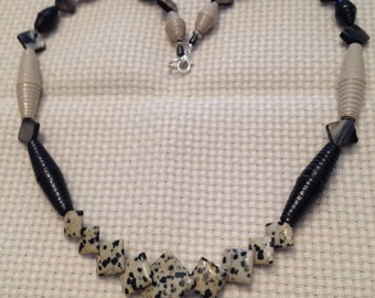 """Black and tan, Rolled paper bead necklace, 20"""" JN15003"""