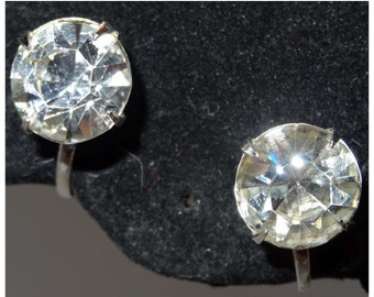"By ""Coro"" Large Single Clear Rhinestone. Screw Back Earrings Apparel & Accessories Jewelry Vintage Jewelry Earrings Screw Back Rhinestone"