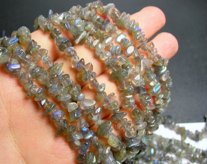 Labradotite gemstone bead - full strand - pebble  chip stone - A quality - PSC55