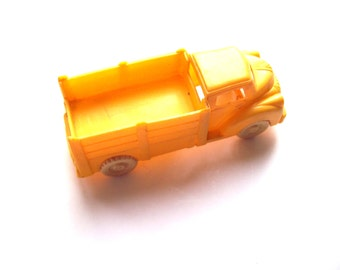 Lapin yellow toy truck
