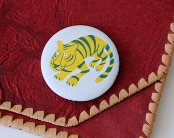 Vintage Russian metal pin cute Tiger, made in Soviet Union