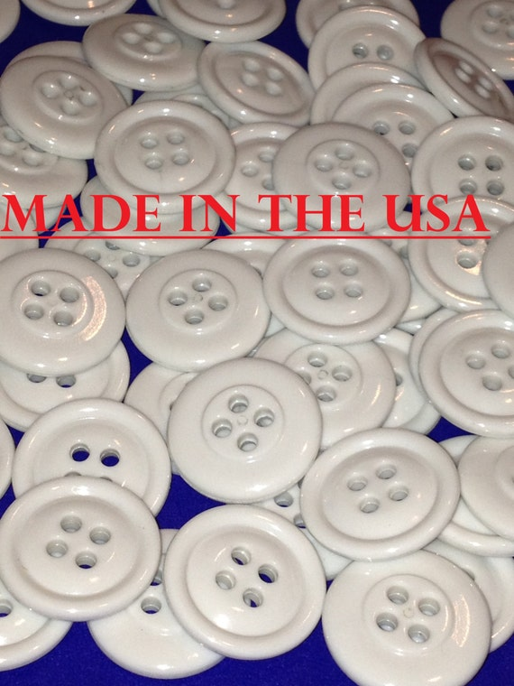 buttons 100 white plastic buttons 3 4 white buttons