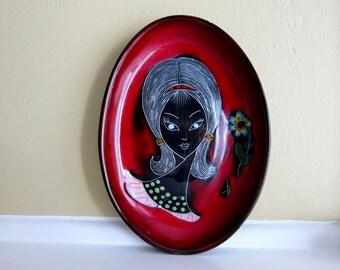 SALE! Vintage 60's Italian Girl Melior Hanging Plate