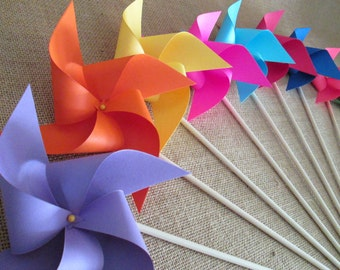 Paper Pinwheels Party Favors Baby Shower Favors Bridal Shower Decoration Birthday Favor Party Decorations Photo Prop Table Centerpiece