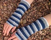 Go TEAM! extra soft striped gloves in Navy Blue, Grey, and White
