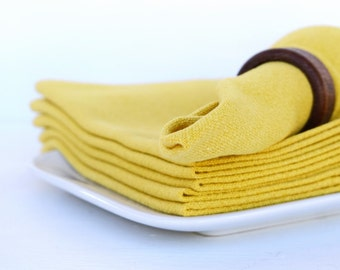 Vintage dinner napkins linen set of 6 yellow mustard Thanksgiving dinner party