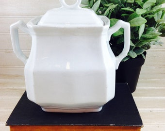 Vintage Meakin and Company Ironstone Sugar Pot