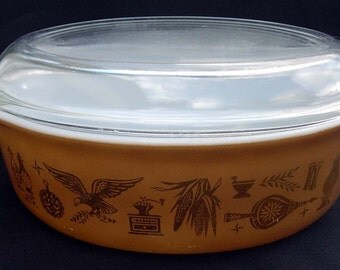 Pyrex EARLY AMERICAN #043 Oval Casserole with Lid