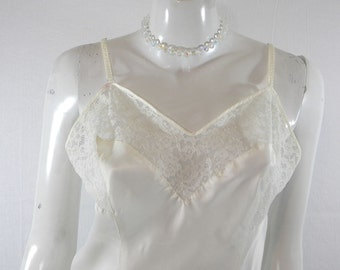 Barbizon Nylon & Lace Full Slip Size Small