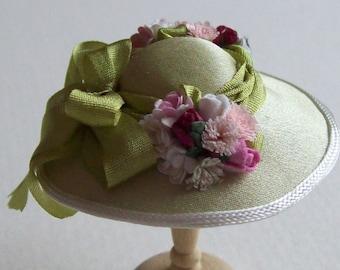 Pretty 1/12 scale handmade dollhouse miniature  pale green silk hat