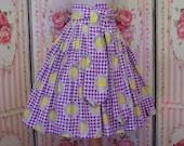 1950s Novelty Print Full Skirt / Sunflower Sunshine Print on Pink Gingham / Wide Shaped High Waist / Tie Belt / S Small / 25 26 Waist