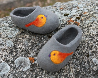 Felted wool Slippers in Gray. HAnd made. Made to order.
