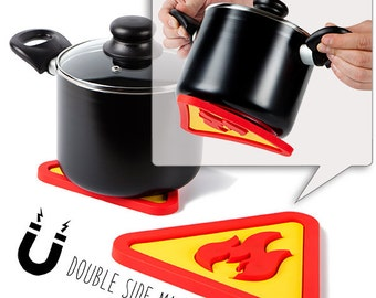 Hot's Pot: Magnetic Silicone Trivet