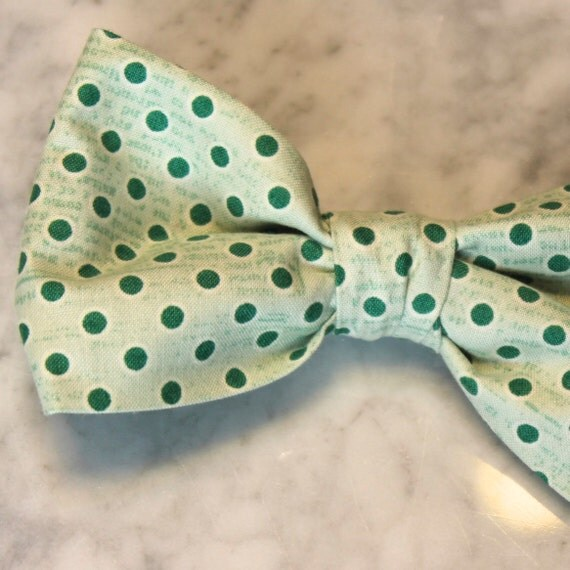 Mens Bow Tie in Mint Green Vintage Inspired Dots - Groomsmen and wedding tie - clip on, pre-tied with strap or self tying