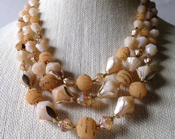 Vintage Peachy 1950s beaded Necklace!