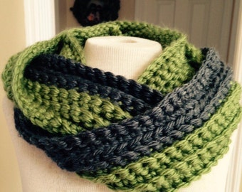 Green and grey chunky infinity scarf, warm circle scarf, crocheted loop scarf, cowl scarf, gift for her